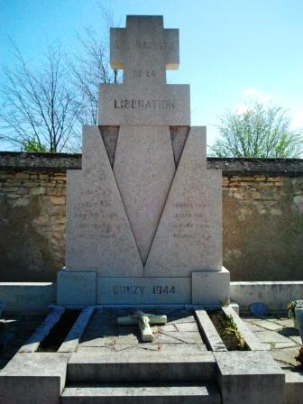 Monument aux Morts Donzy 1944